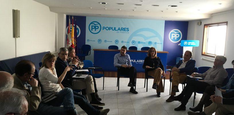 Los presidentes comarcales se reúnen para preparar una campaña basada en la presidencia en el territorio, cercana y austera