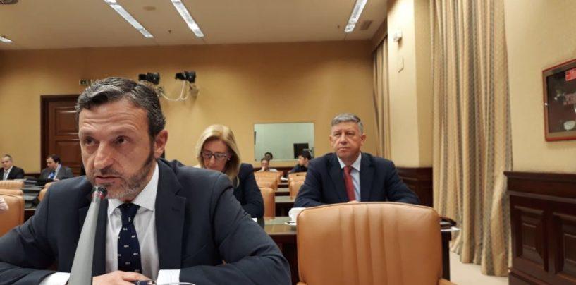 Miguel Ángel Paniagua Núñez, defiende, en la Comisión de Fomento, la posición del Grupo Popular en una iniciativa de Foro Asturias y mediante una enmienda transaccional, consigue mejorar la propuesta inicial